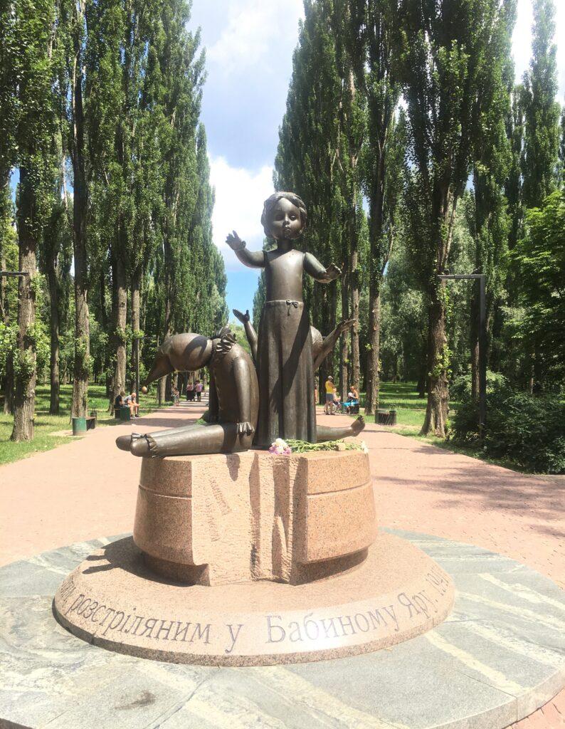 babi-yar-children-monument