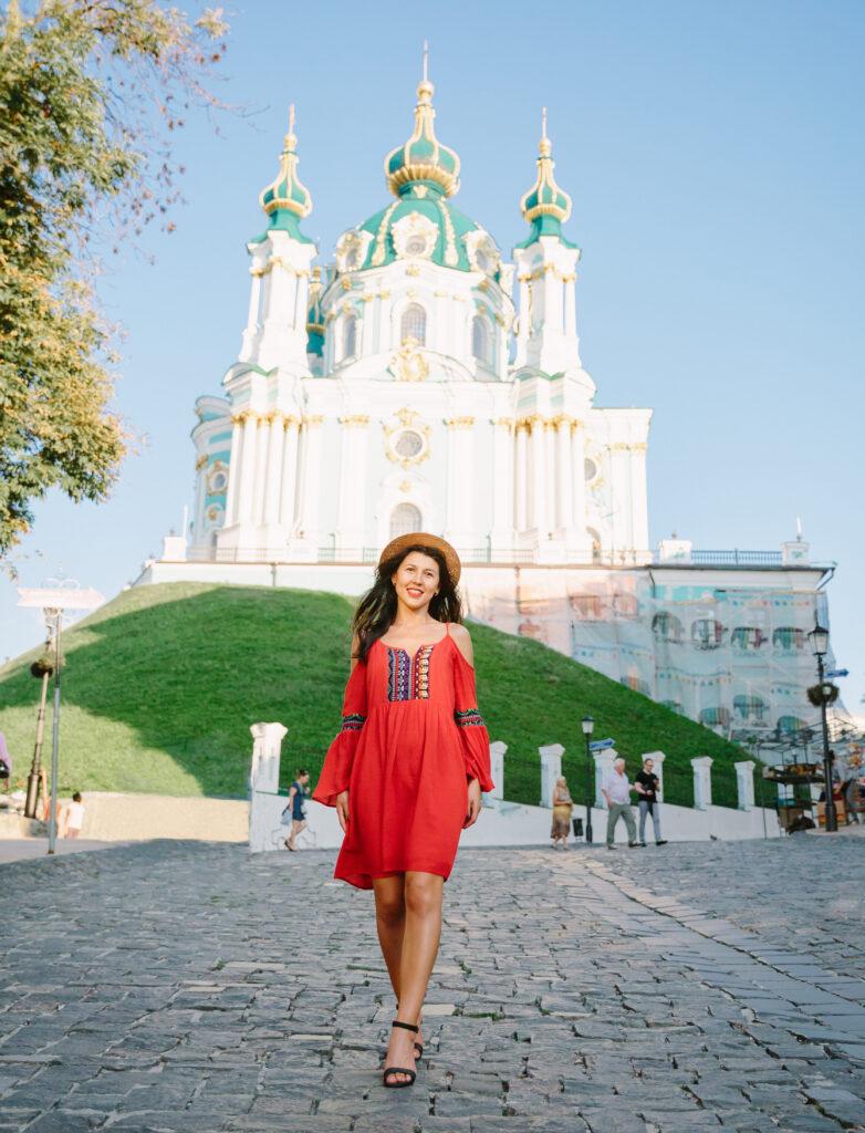 kiev-tour-guide-girl