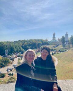 female-tour-guide-kiev
